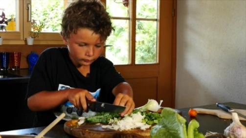 Cuisiner des légumes bio suisses dans le Wok est un jeu d'enfants.