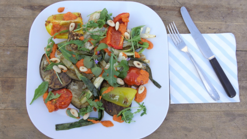 Bio Gemüse-Antipasti vom Grill mit Romescosauce