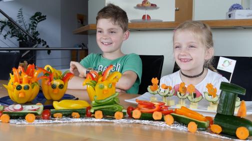 Biogemüseschnitzen mit Kindern